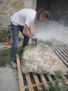 Découpe du bloc de pierre